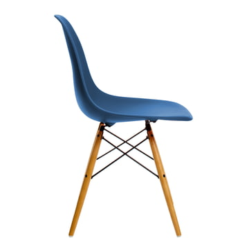 Vitra - Eames Plastic Side Chair DSW, yellowish maple / navy blue