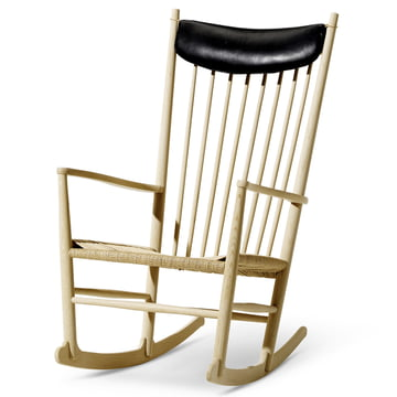 J16 Rocking Chair by Fredericia with neck pillow