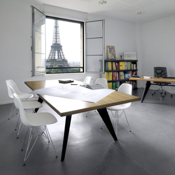 Vitra - EM Table, natural oak / black