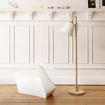 An Eye-Catcher in any Living Room: Muuto Pull Floor Lamp