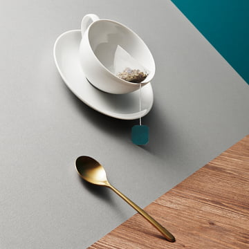 Kahla - Magic Grip Tea Service, cup and spoon inclined