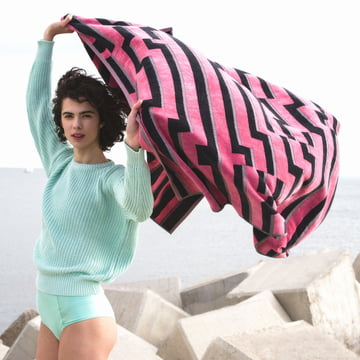 Zuzunaga - Pink Waves Beach Towel 100 × 180 cm