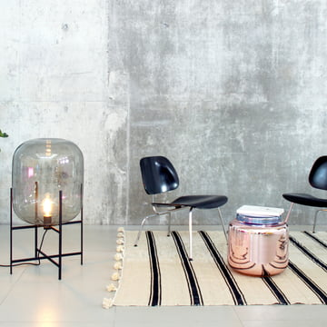 Pulpo Contaniner table with Oda lamp