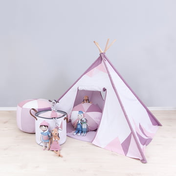Tent and fabric basket for small Indian girls