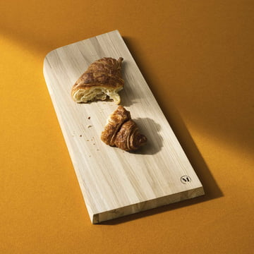 Tilt Chopping Board with A Rounded Corner